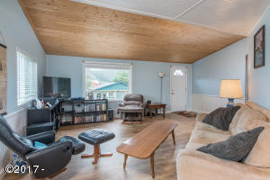 33530 East Street, Pacific City, OR 97135