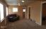 607 Ne Fogarty Street, Newport, OR 97365 - Living room