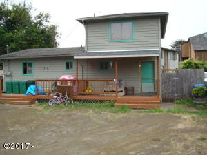 210 SW Strawberry Lane, Waldport, OR 97394