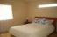 955 NW Spring St, Newport, OR 97365 - Main level master suite