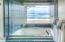 4175 N Hwy 101, D8, Depoe Bay, OR 97388 - Master ocean view bath tub