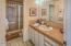 4175 N Hwy 101, D8, Depoe Bay, OR 97388 - Guest bathroom