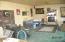 645 NE 8th St, Toledo, OR 97391 - Living Room