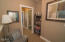 2063 NE 56th Dr, Lincoln City, OR 97367 - Upstairs hallway