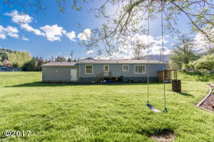 26095 Chinook St, Beaver, OR 97112