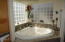 4835 NE Voyage Ave, Lincoln City, OR 97367 - Master Jacuzzi Tub