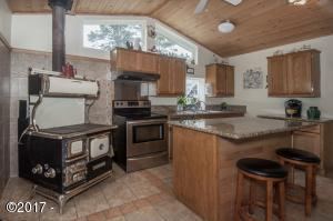 3050 SE DUNE AVE, Lincoln City, OR 97367