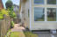325 Cliff St, Depoe Bay, OR 97341 - Side yard