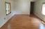 342 Se 116th Street, South Beach, OR 97366 - Living room