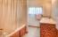 5090 NE Highland Ave, Yachats, OR 97498 - Upstairs Bath