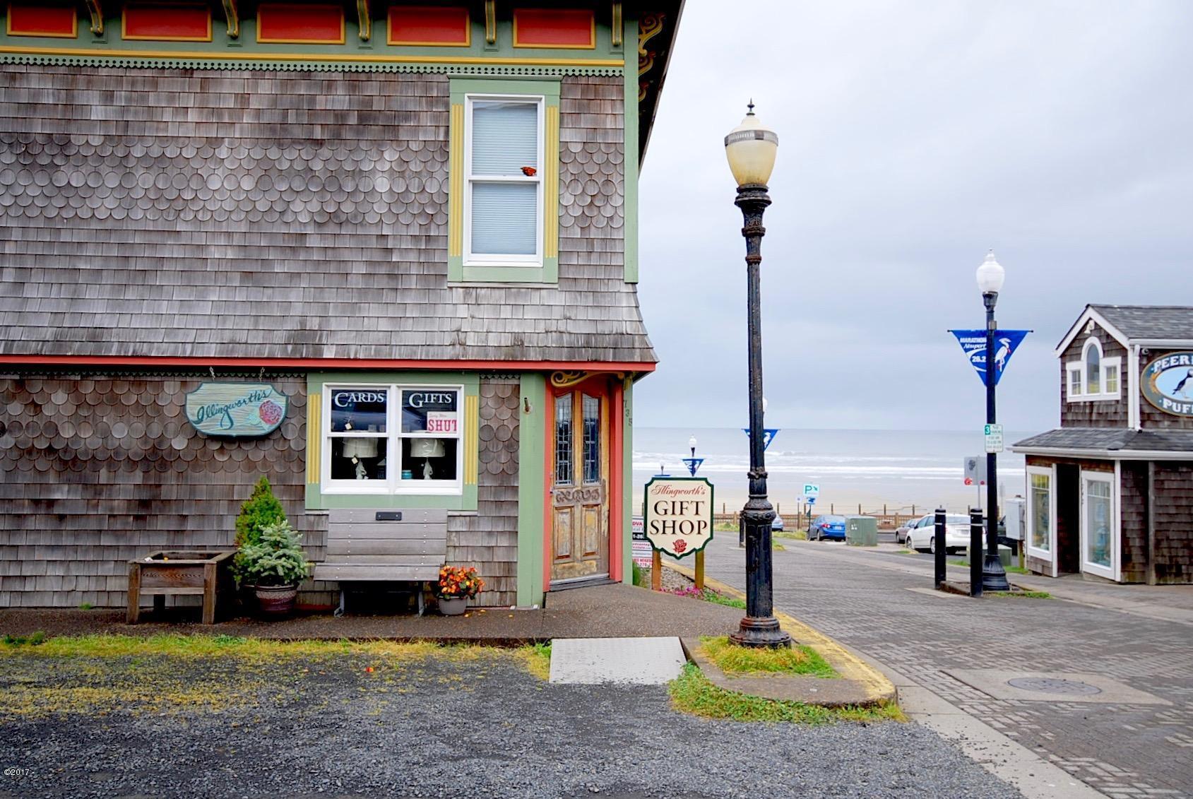 735 NW Beach Drive, Newport, OR 97365 - Nye Beach Gift Store