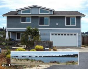 255 NW Fayette St, Waldport, OR 97394