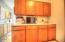 544 US-101, Yachats, OR 97498 - Kitchen Storage