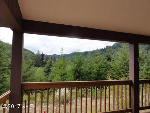 5553 Siletz Hwy, Lincoln City, OR 97367 - South Facing Deck
