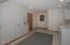 1015 NE 7th Drive, Newport, OR 97365-2515 - Laundry room (1280x850)