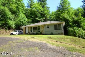 1224 SE Collier Ave, Toledo, OR 97391 - Front