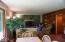 2086 NE Arrowhead Way, Lincoln City, OR 97367 - Living Room 2