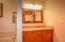 847 Hamer Rd, Siletz, OR 97380 - Upstairs bathroom