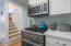 1904 NW 37th St, Lincoln City, OR 97367 - Electrolux Stove