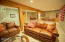 2685 SW Beach Ave, Lincoln City, OR 97367 - Family Room