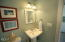 2685 SW Beach Ave, Lincoln City, OR 97367 - Powder Room