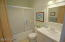 2685 SW Beach Ave, Lincoln City, OR 97367 - Guest Bathroom