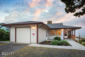 1335 NW Harbor Ave., Lincoln City, OR 97367