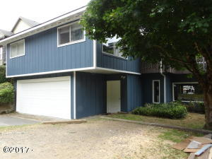 675 SE Keel Ave, Lincoln City, OR 97367 - 3 Units or Convert to Single Family