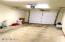 1120 NW Spring Street, I, Newport, OR 97365 - Garage