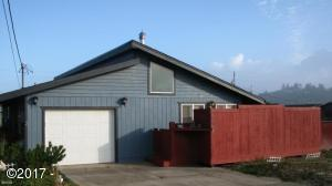 2006 NW Bridgeview Dr, Waldport, OR 97394 - Exterior