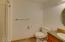 571 Fairway Dr, Gleneden Beach, OR 97388 - Full bathroom 2
