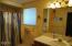 623 SW Ebb Ave, Lincoln City, OR 97367 - Upper Bathroom