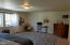 2325 NW Keel Ave, Lincoln City, OR 97367 - Enormous main bedroom