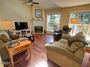96 NW 33rd Pl, C, Newport, OR 97365