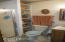 1513 NW Parker Ave, Waldport, OR 97394 - Master Bath