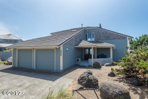 540 SW Cove Point, Depoe Bay, OR 97341