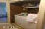 115 NE 33rd St, Newport, OR 97365 - Laundry