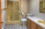1097 NE 7th Dr, Newport, OR 97365 - master bath