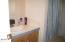 90 Laurel Street, Gleneden Beach, OR 97388 - Guest Bath