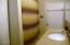 538 SE Elder St, Toledo, OR 97391 - bathroom