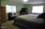 538 SE Elder St, Toledo, OR 97391 - master bedroom