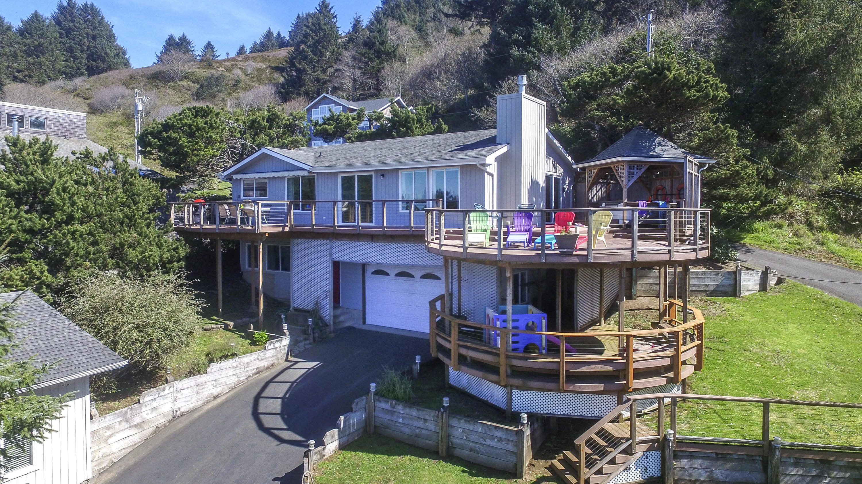 1935 NE 69th Street, Lincoln City, OR 97367 - Exterior