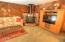 660 NW Westwood Ter, Toledo, OR 97391 - Family room