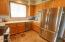 522 SW Smith Ct, Newport, OR 97365 - Kitchen