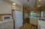 841 SW 65th St, Lincoln City, OR 97367 - Efficient Kitchen