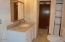 7211 Yaquina Bay Rd, Newport, OR 97365 - Main Bath