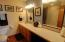 522 SW Smith Ct, Newport, OR 97365 - Master Bath