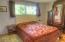 347 NE 10th Ct, Newport, OR 97365 - Master Bedroom