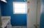 1719 SE Alder Way, Toledo, OR 97391 - Bathroom
