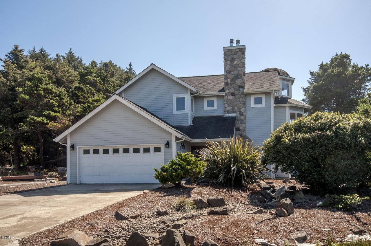 450 SW Edgewater, Depoe Bay, OR 97341 - Edgewater home